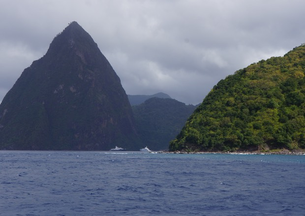 010813 Approaching the Pitons