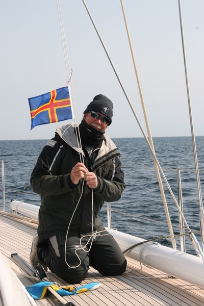 052012 1 New Flag entering Aland