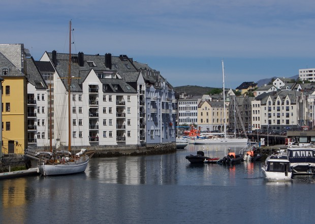 140610 Downtown Alesund no problem finding our way home
