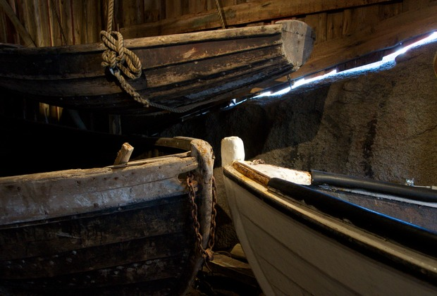 140712 Nusfjord Boats in Boatsheds from 1800s