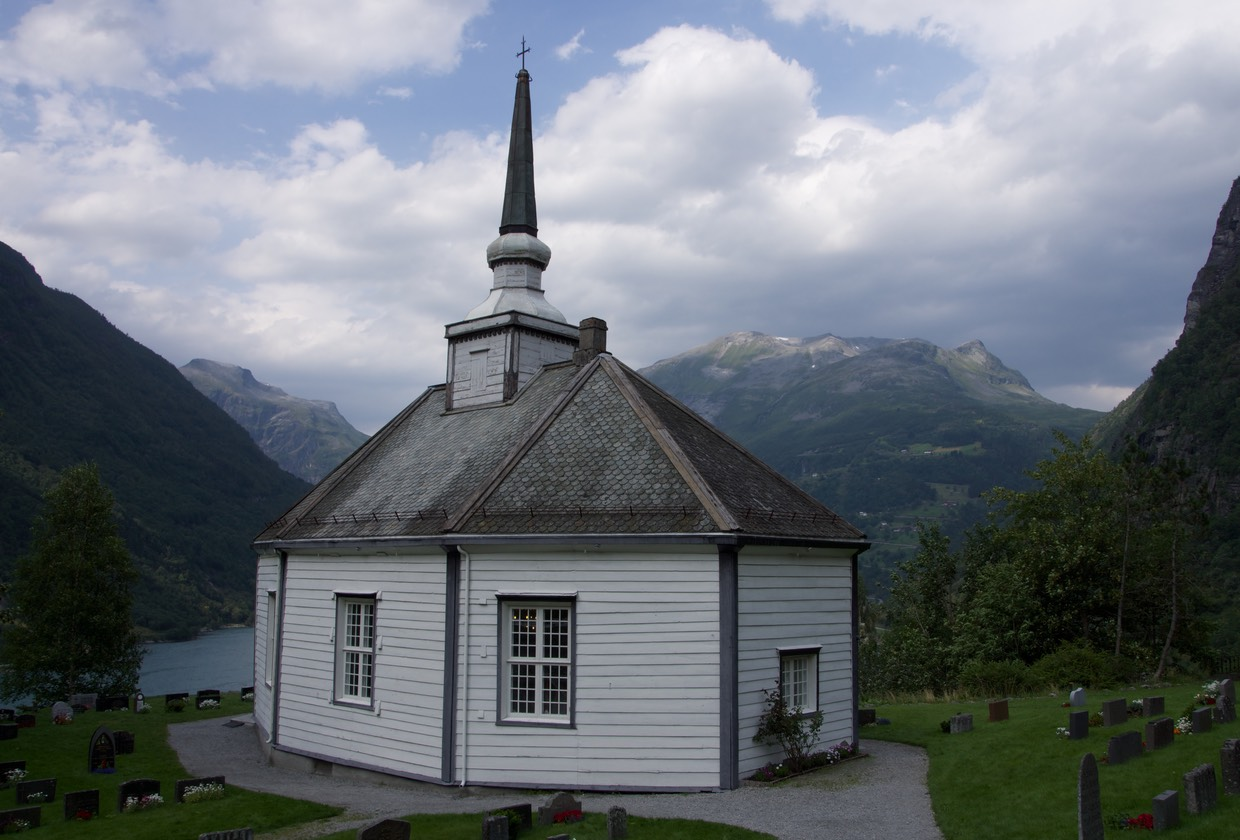 140802 Geiranger - Church with an amazing view