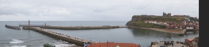 140906 11 Whitby Harbour entrance.jpg