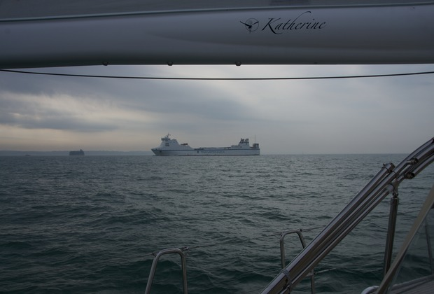 140918 Arriving Portsmouth under sail and dodging traffic