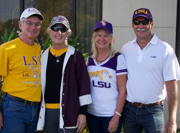 141108 LSU Football the support Team