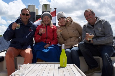 150530 15 Sloop tour to Amsterdam Stopped before the lock Time for refreshments.jpg