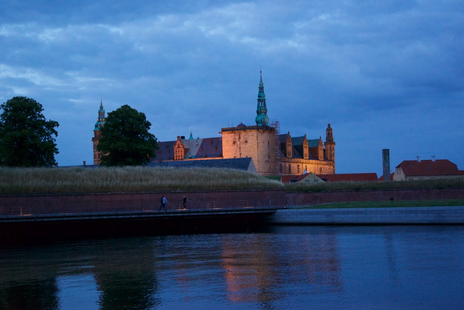 150722 3 Helsingor Castle by night