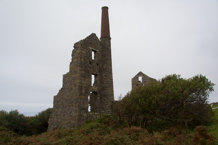 150923 14 Remains of Carn Galver Tin Mine.jpg