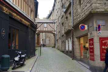 160521 2 Streets of St Malo