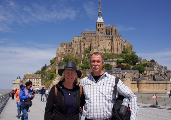 160525 Mont-St-Michel Lee and Andrew