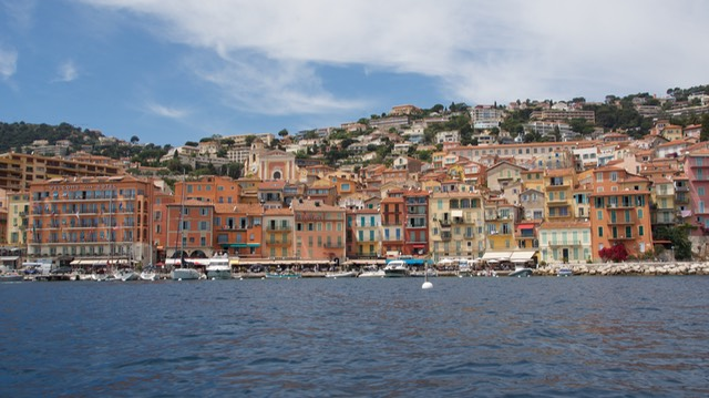 170523 1a Arriving Villefranche by dinghy