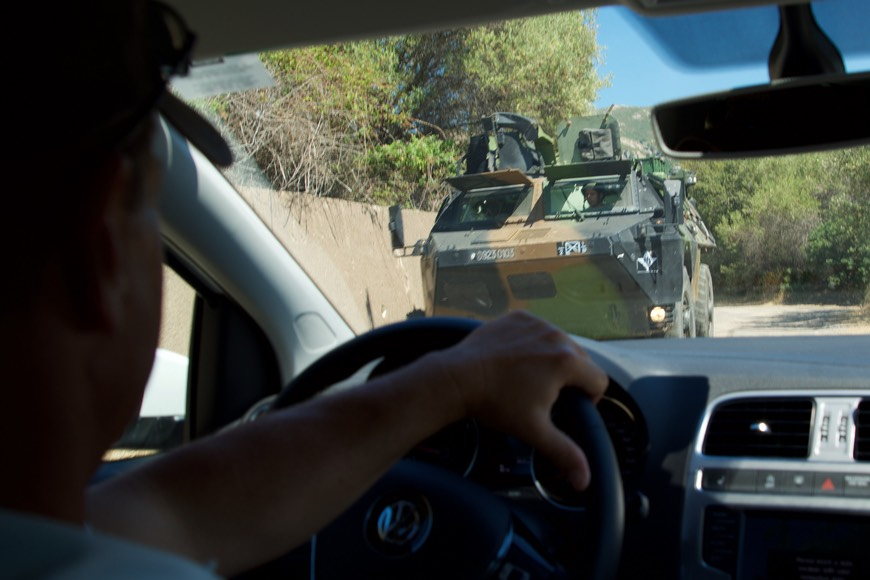 170614 3 Driving from Calvi to winery Clos Culombu Driving Obstacle