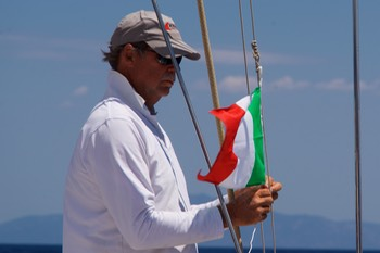 170618 4 Sailing from Corsica to Elba Italy First Fly of Italian Flag