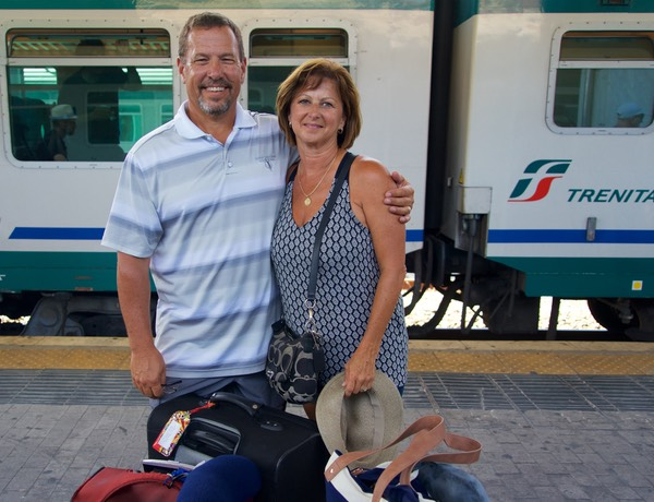 170626 Pisa Train station farewells Kim and Barry
