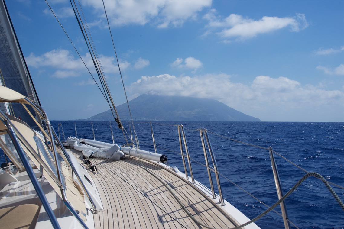170713 10 Sailing with Paradigme to Stromboli Sicily