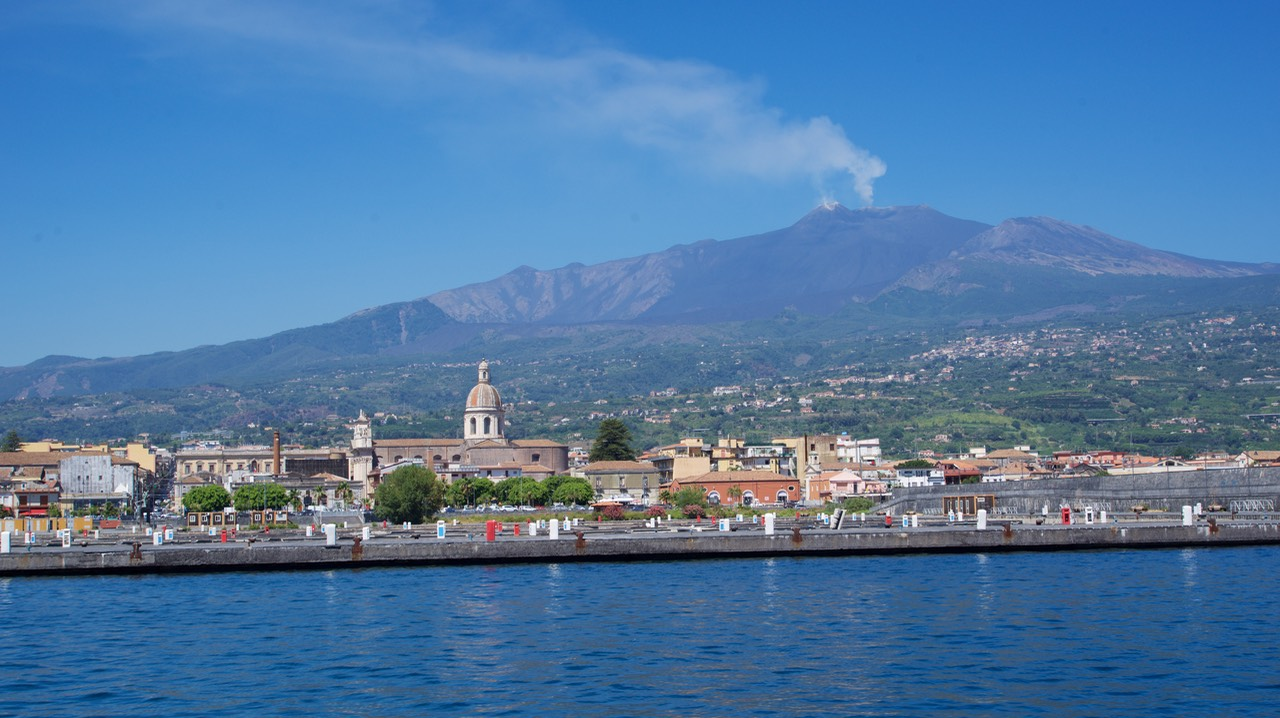 170729 7 Leaving Pt Etna Mt Etna in the background